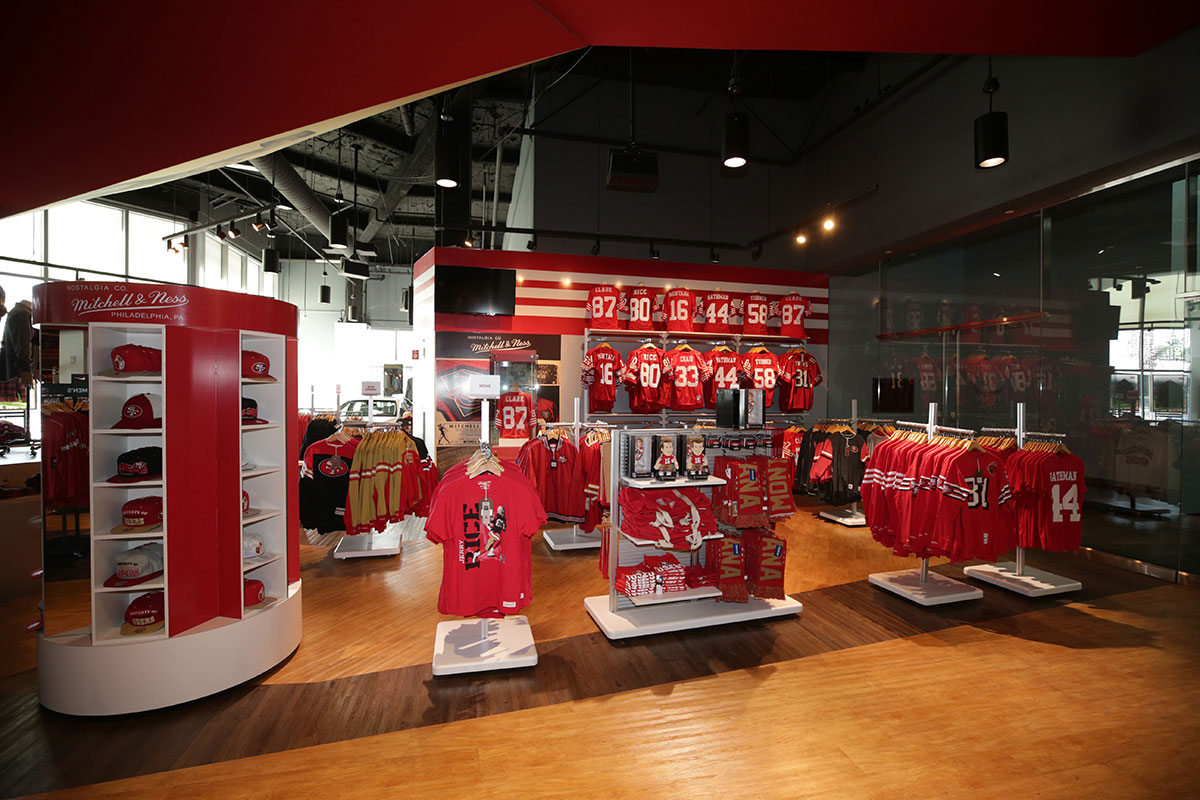 sports shoes 746f7 6c181 TEAM STORE presented by Visa - Levi's® Stadium