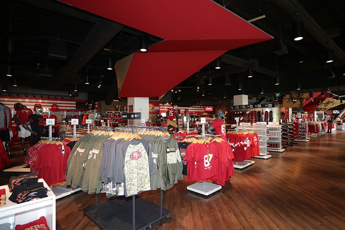 sports shoes c8f48 ce10d TEAM STORE presented by Visa - Levi's® Stadium