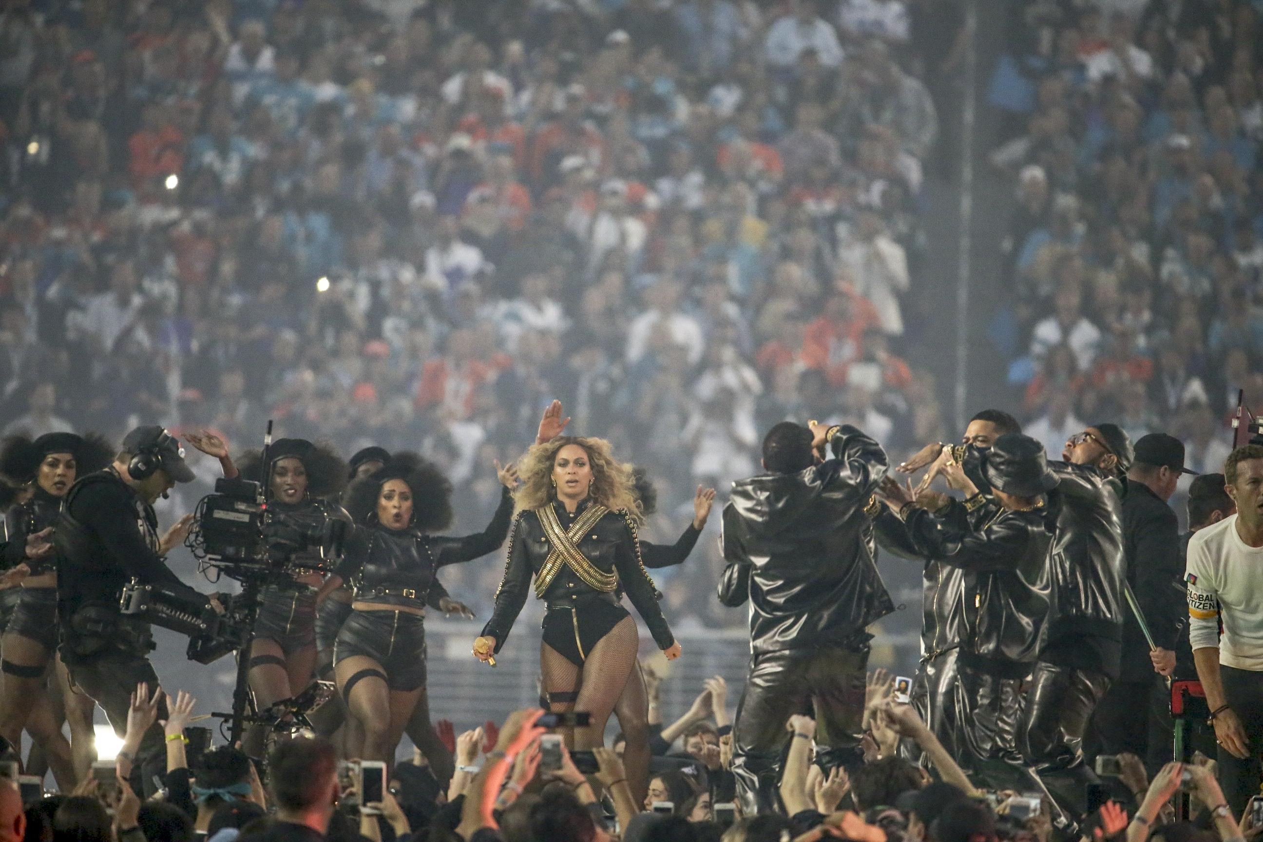 020716-Beyonce-halftime